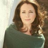 Fionnuala Gill – Authentic Irish song and harp